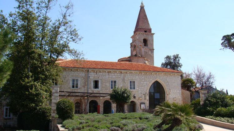 Монастырь на острове Святого Андрея, Ровинь, Хорватия