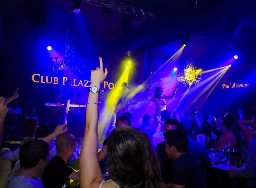 Club Palazzo в Порече