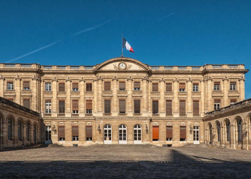 Здание городской мэрии в Бордо