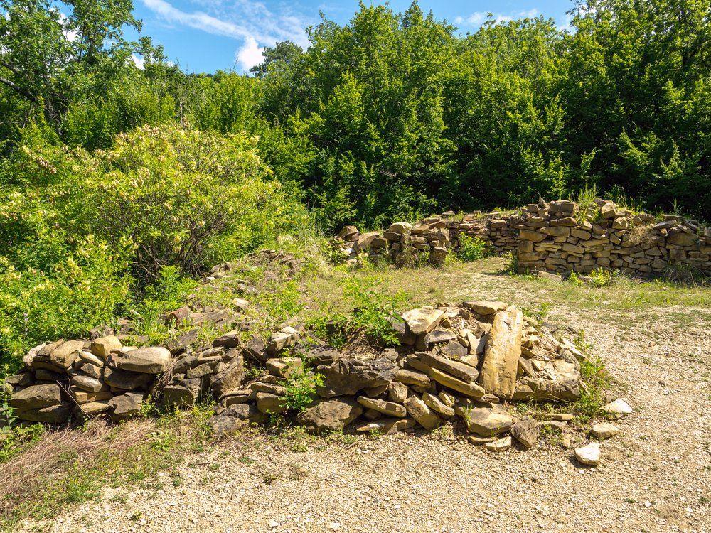 Руины римской башни близ Архипо-Осиповки