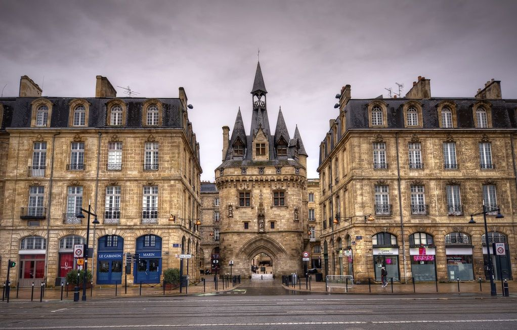 Ворота Кайо в Бордо, Франция