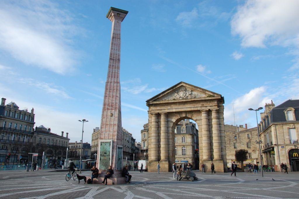 Аквитанские ворота на площади Победы, Бордо