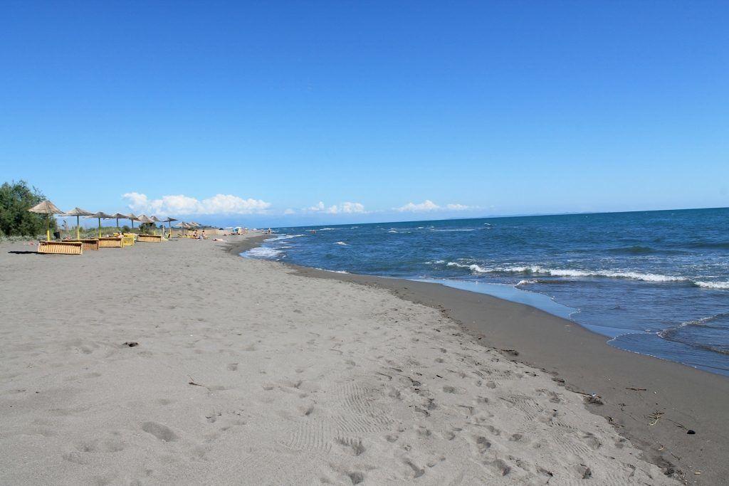 Большой пляж Улциня