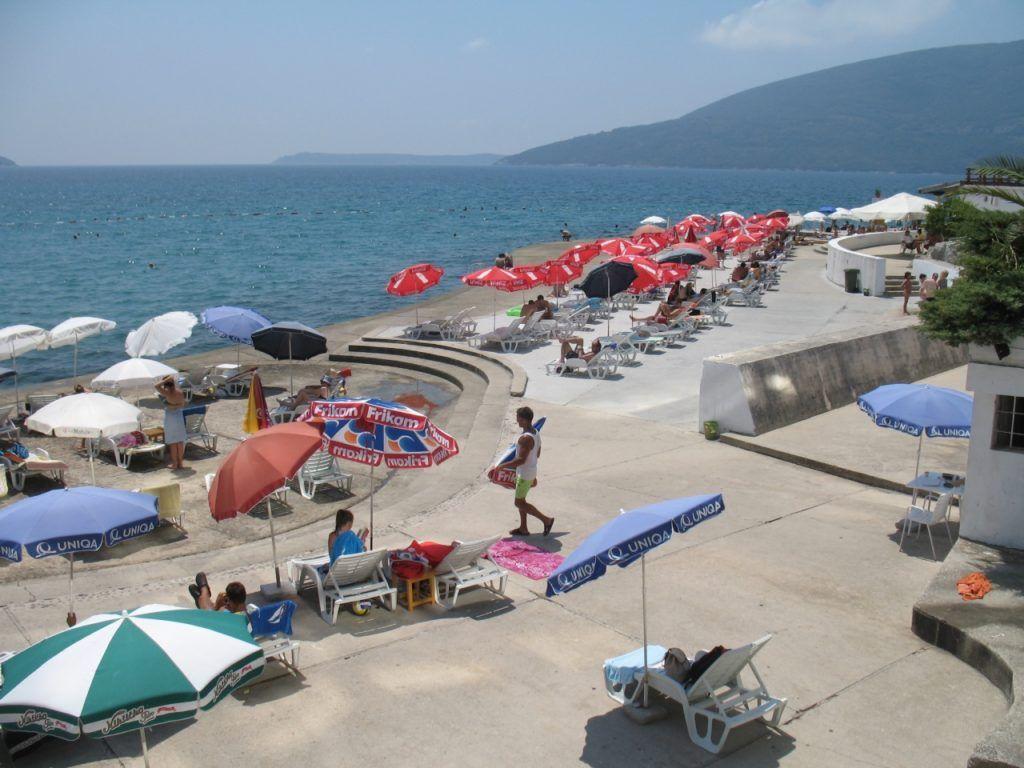 Бетонные пляжи в Херцег-Нови