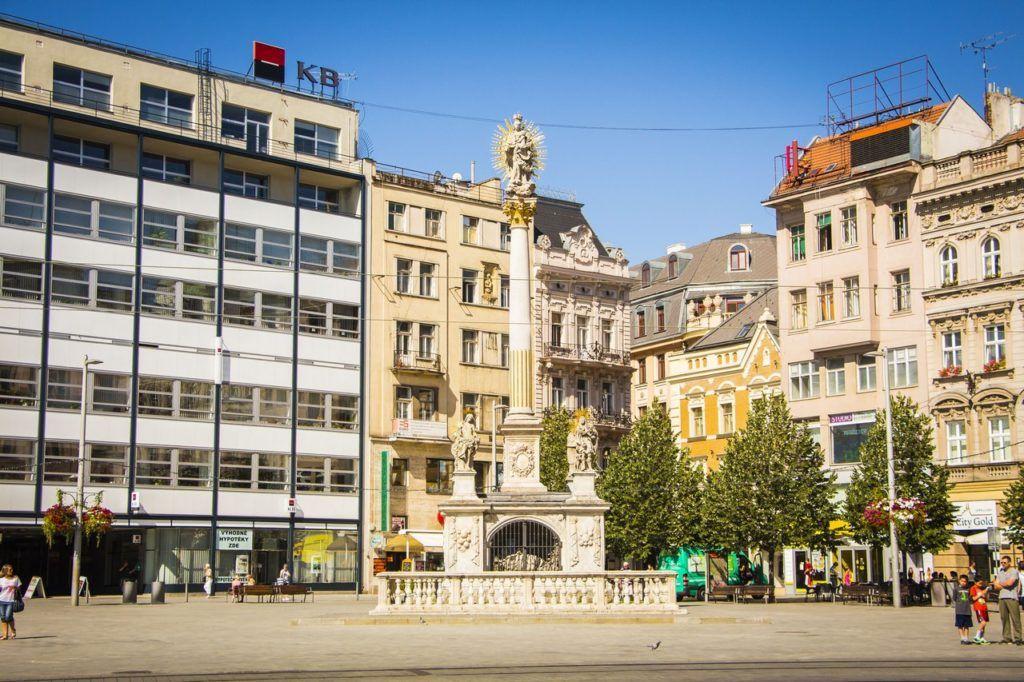 Чумной столб Девы Марии на площади Свободы в Брно