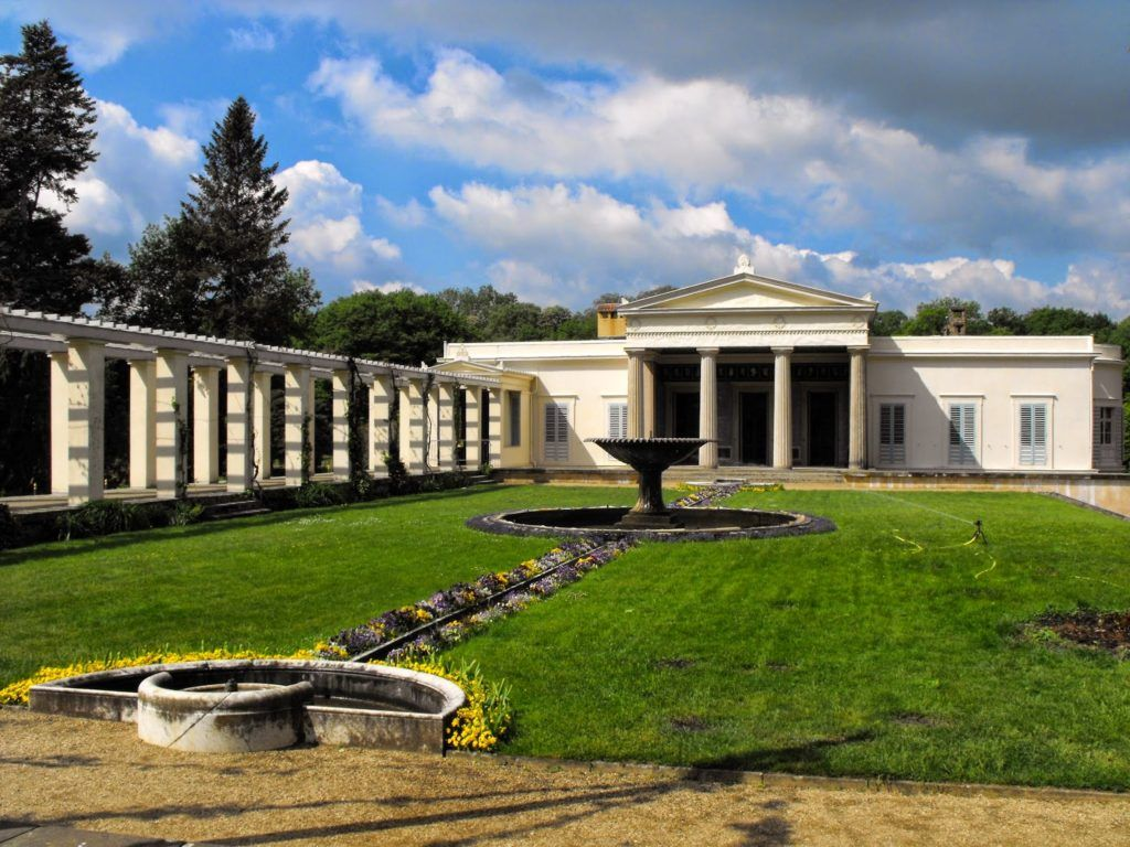Дворцово-парковый комплекс Шарлоттенхоф