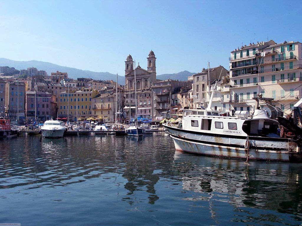 Город Бастия, остров Корсика, Франция