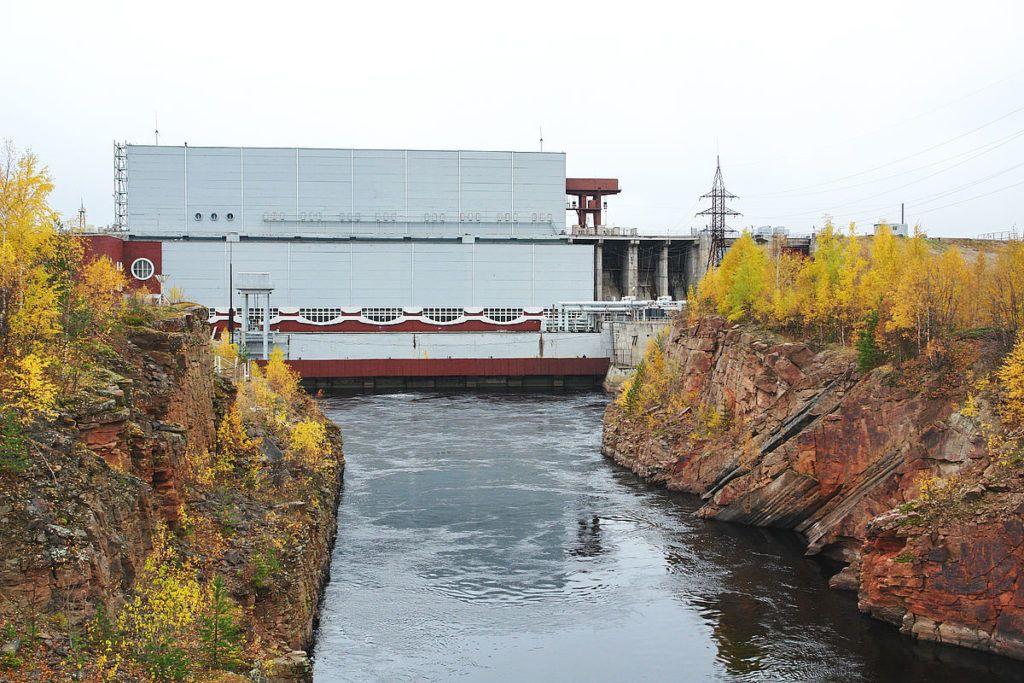 Кривопорожская ГЭС на реке Кемь