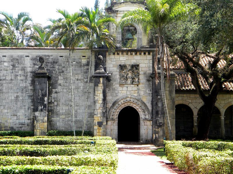 Монастырь Святого Бернарда в Майами