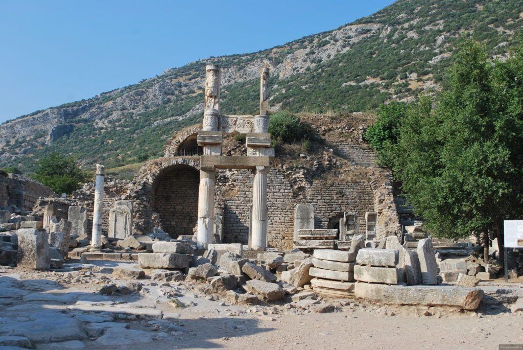 Храм Домициана в городе Эфес