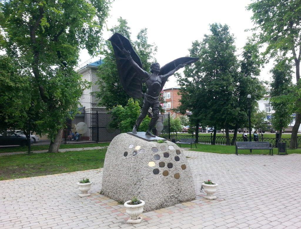 Памятник холопу Никитке Крякутному в Кунгуре