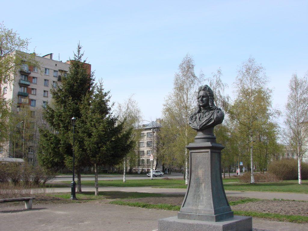 Памятник Меньшикову в Колпино