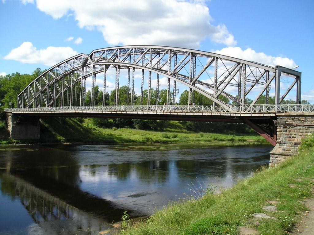 Арочный мост в Боровичах