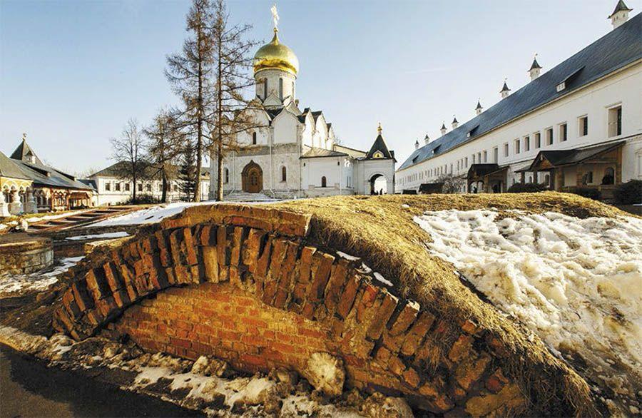Руины Звенигородского кремля