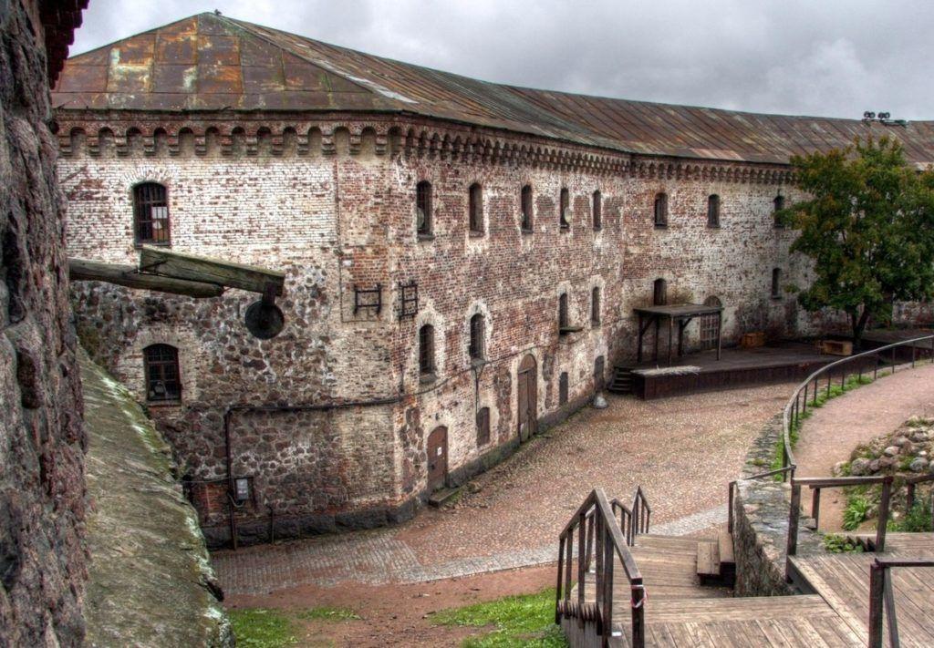 В музейном комплексе Выборгского замка