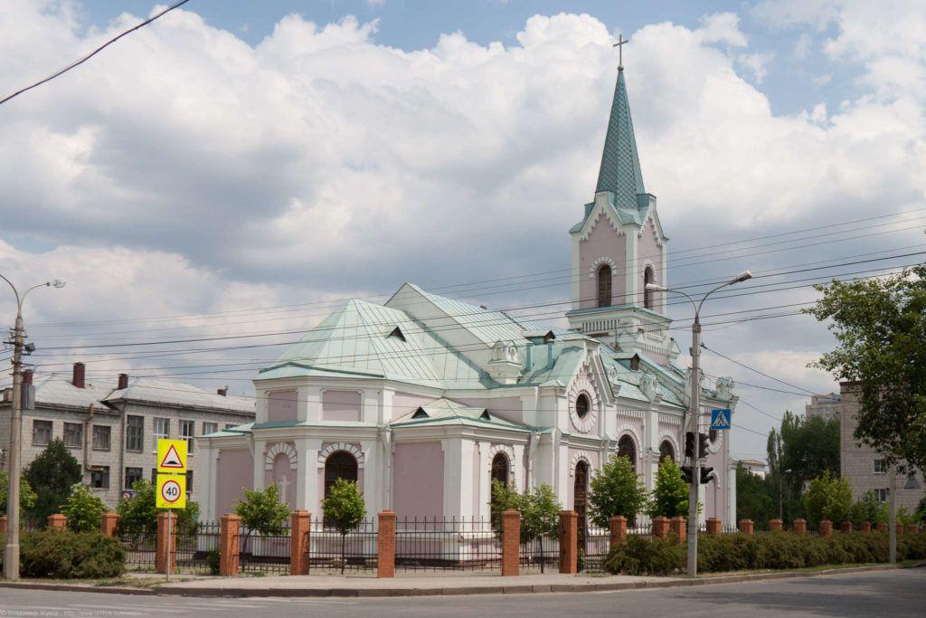 Католический храм Святого Николая Мирликийского в Волгограде