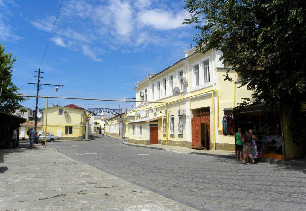 Караимская улица в Евпатории