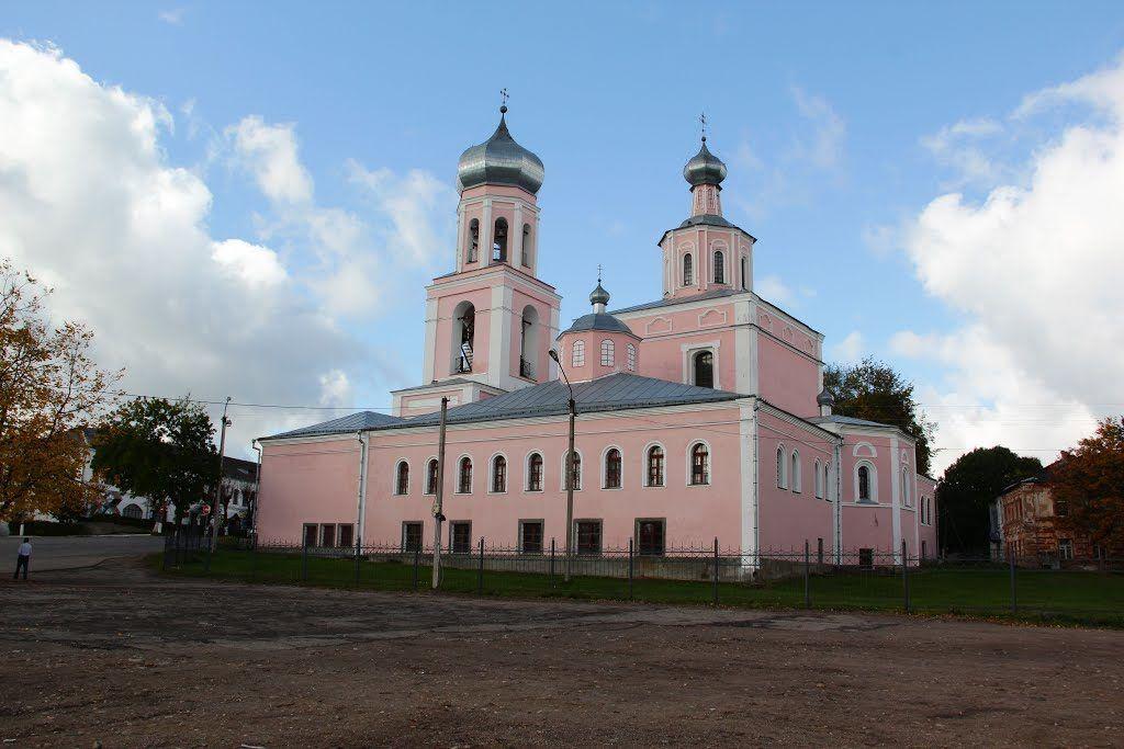 Троицкий собор на площади Свободы, Валдай