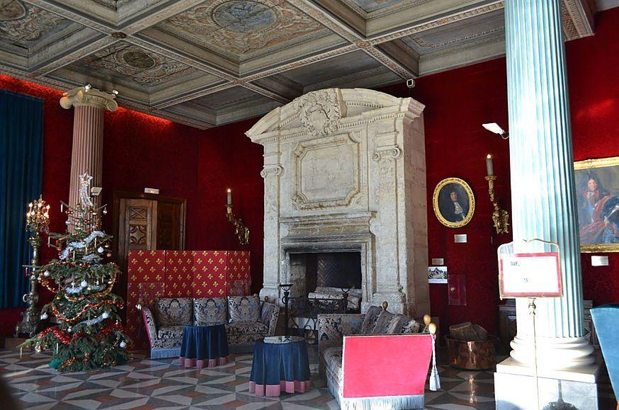 """Салон Людовика XIV в отеле Ниццы """"Негреско"""""""