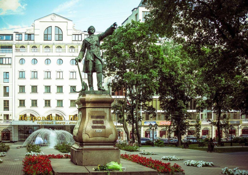 Памятник Петру Великому в Воронеже
