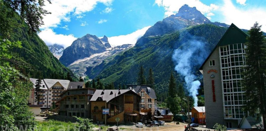 Домбай – как отдохнуть на горнолыжном курорте в летнем отпуске