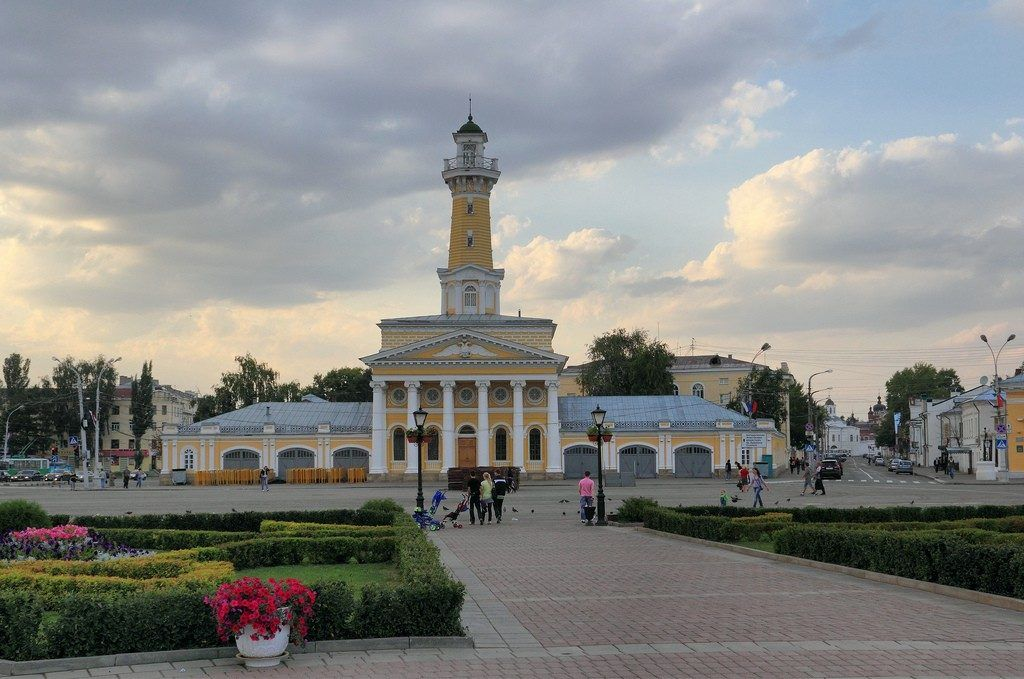 Пожарная каланча га площади Сусанина в Костроме