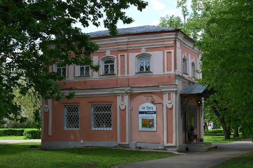 """Художественная галерея """"на Торгу"""" в Великом Новгороде"""