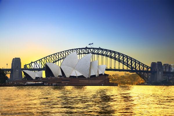 Опера в Сиднее и Харбор Бридж