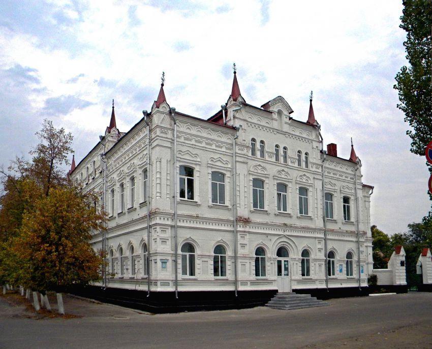 Бывшее здание Духовного училища, г. Павловск