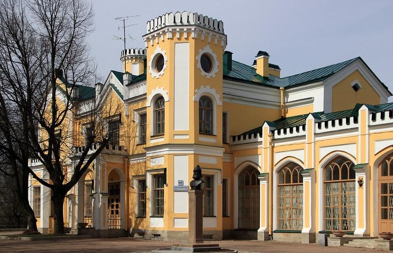 Стрельны, Львовский дворец