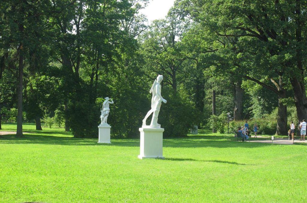Нижний парк Меншиковского дворца