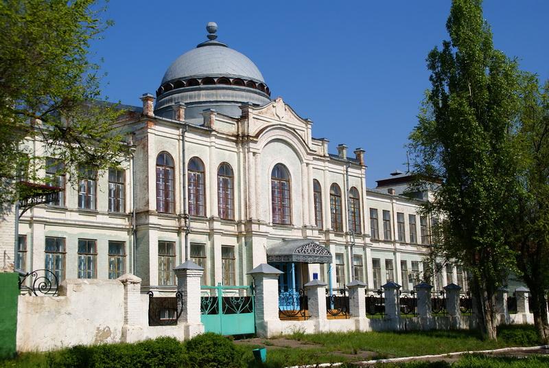 Здание бывшего реального училища, г. Павловск