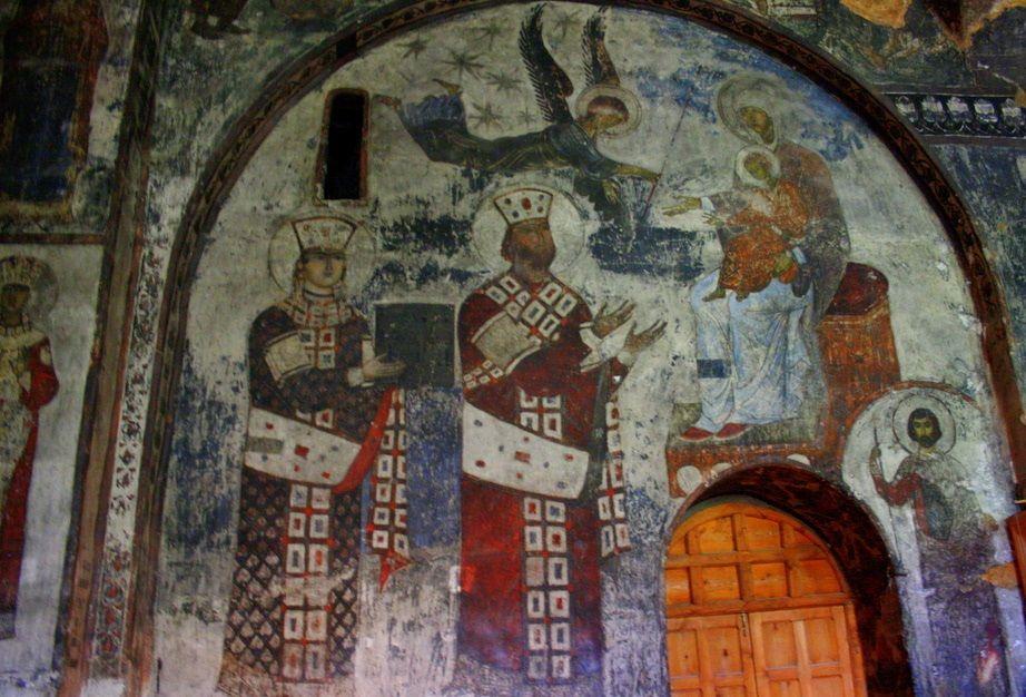 Фреска царицы Тамары в Вардзии