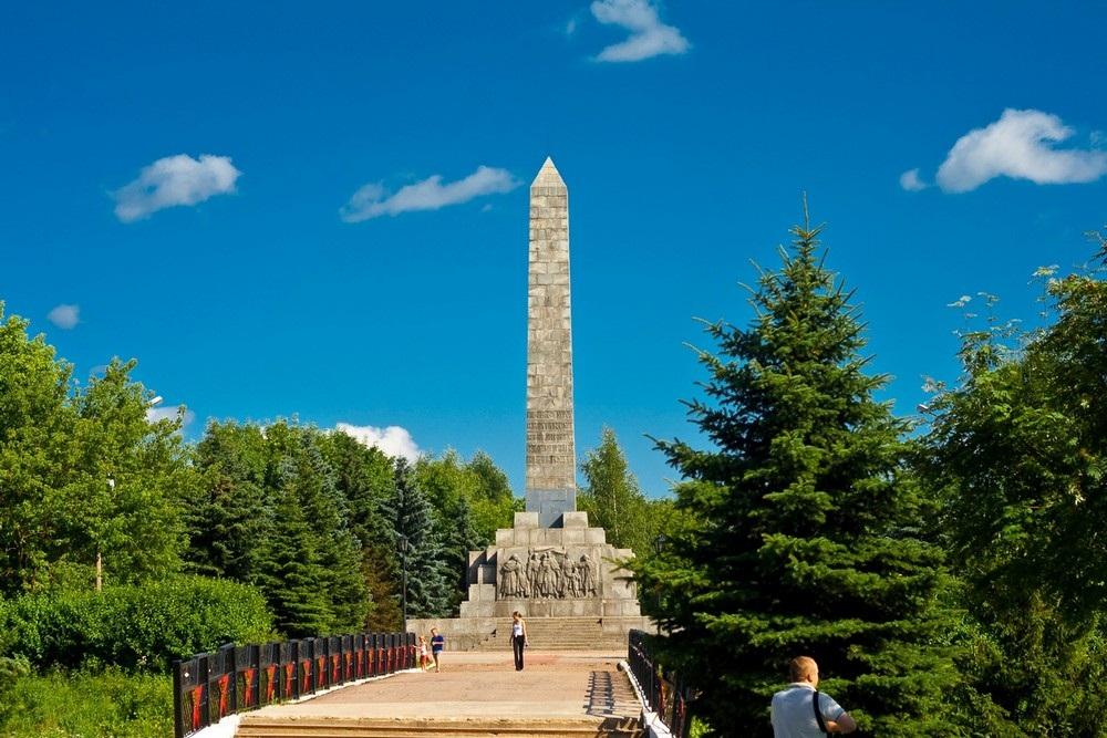 Обелиск погибшим во Второй Мировой войне во Ржеве