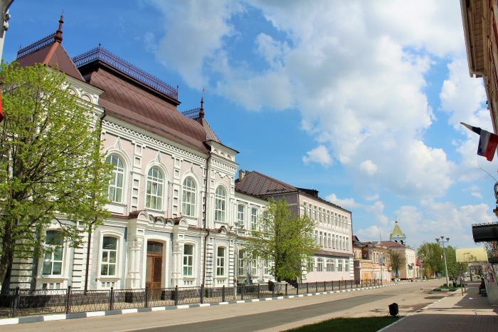 Бывшая женская Ольгинская гимназия, г. Павловск