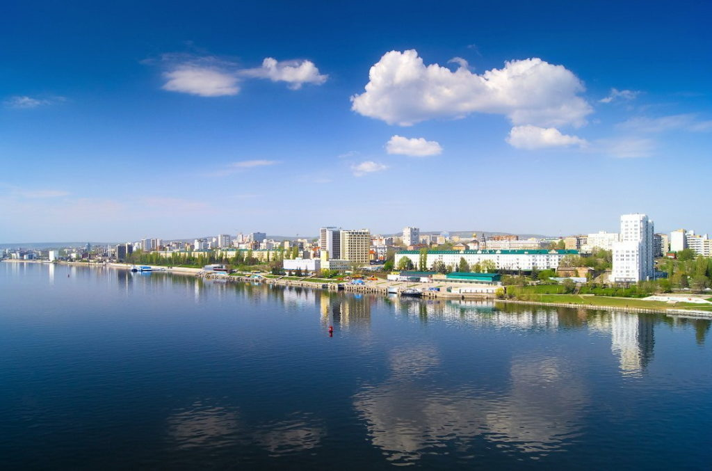 Город Саратов в России