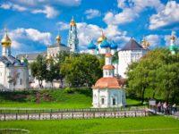 Город одного музея: экскурсия в Свято-Троицкую лавру Сергиева Посада
