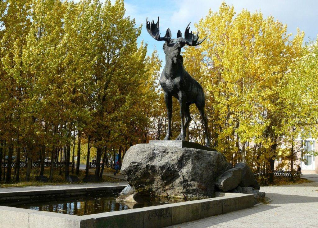 Лось - символ города Мончегорска