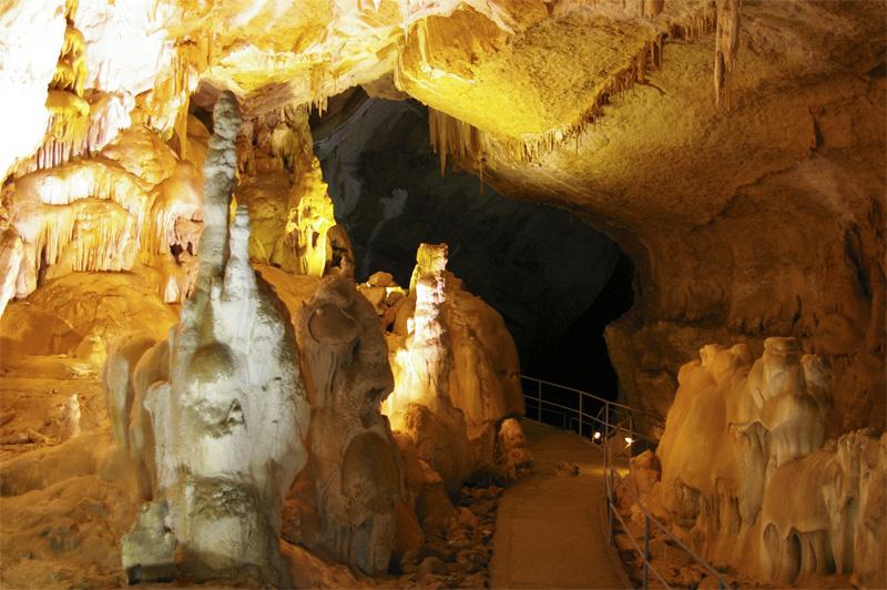 Мраморная пещера в Симферополе