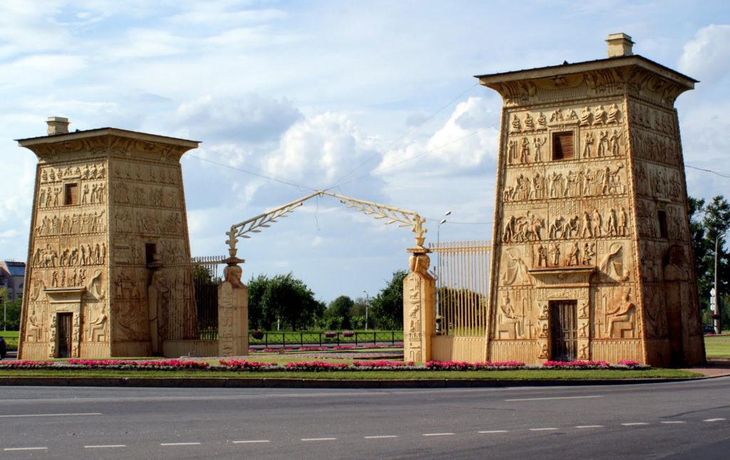 Египетские ворота в Пушкине
