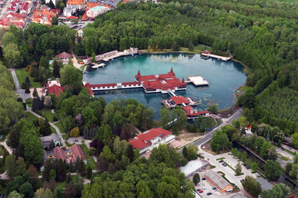 фото лечебного озера в Венгрии