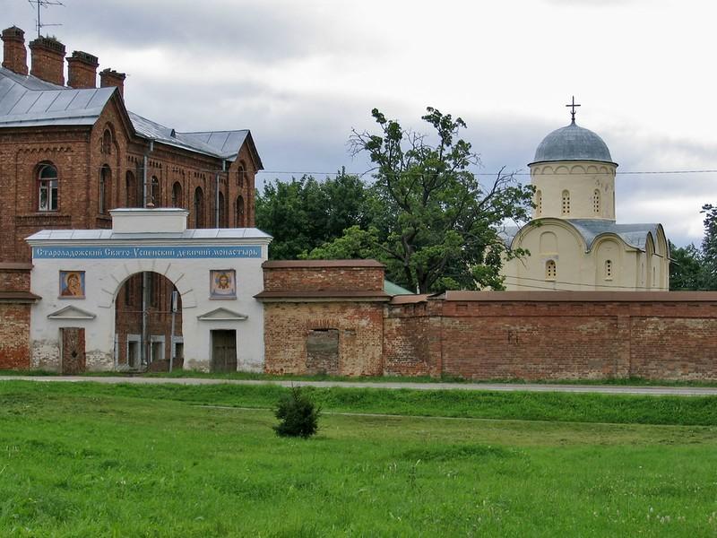Свято-Успенский девичий монастырь в Старой Ладоге
