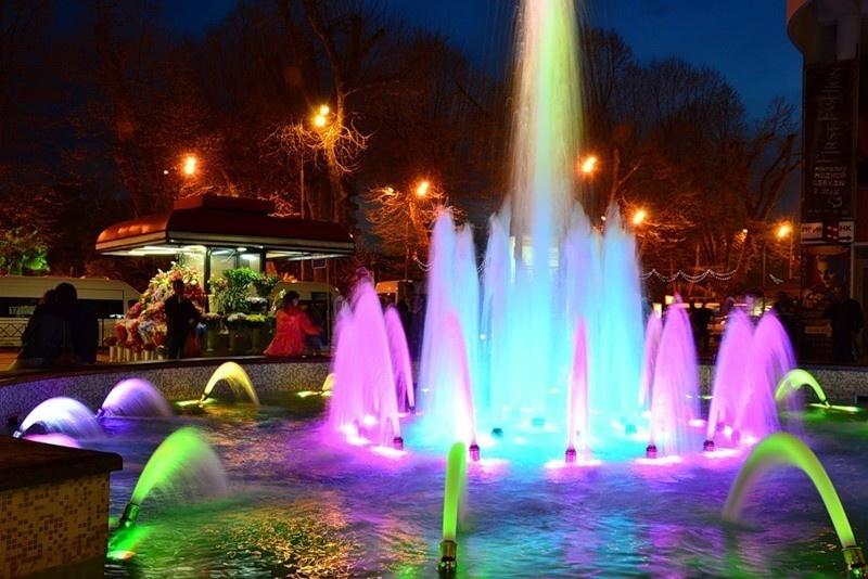 Поющий фонтан на Платановой аллее город Сочи