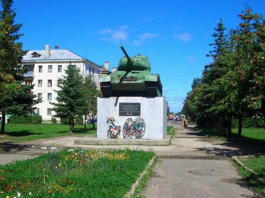 Памятник-танк во Ржеве