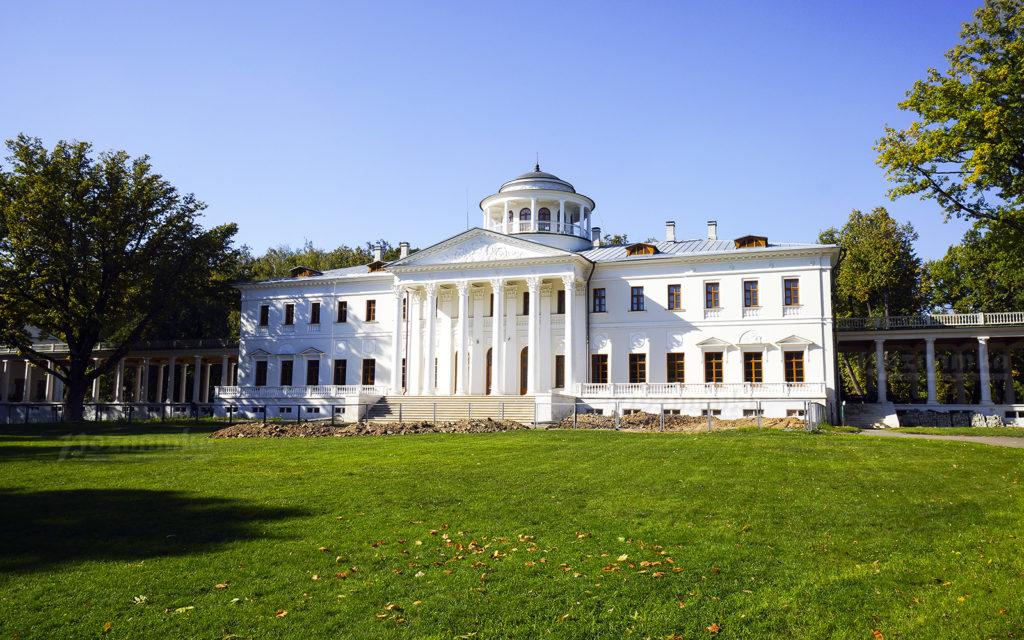 Музей-усадьба князей Вяземских в Остафьево
