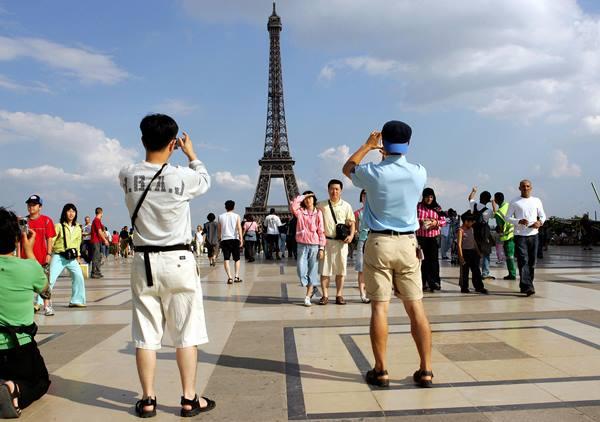 туристы во франции
