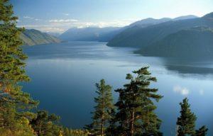 Телецкое озеро на Алтае