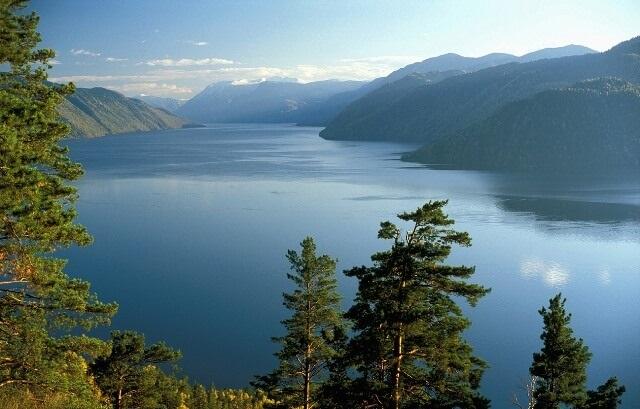 Телецкое озеро – младший брат живописного Байкала