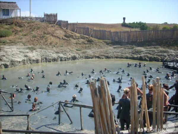 Темрюк, Вулкан Гефест и лечебные грязи