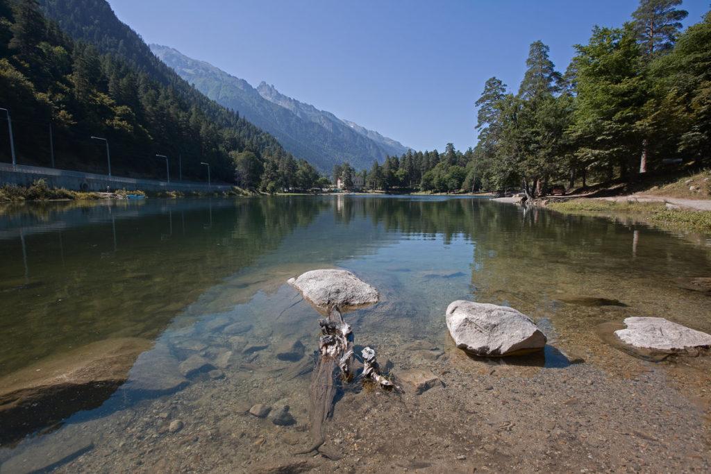 Озеро Кара-Кёль в Тебердинском заповеднике